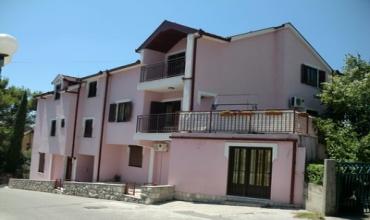 prodaja nekretnina, stambeno-poslovni objekat, zgrada, apartmani i poslovni prostori, centar Trebinja
