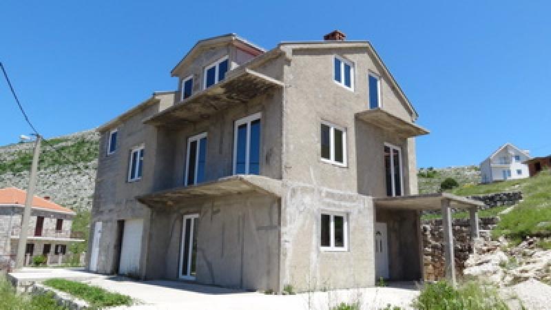 na prodaju, nedovršena kuća, devastiran objekat, kuća Ivanica, Dubrovnik, Trebinje