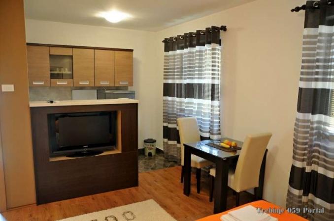 stan na dan, apartman, garsonjera, turistički smještaj Trebinje, 3 osobe