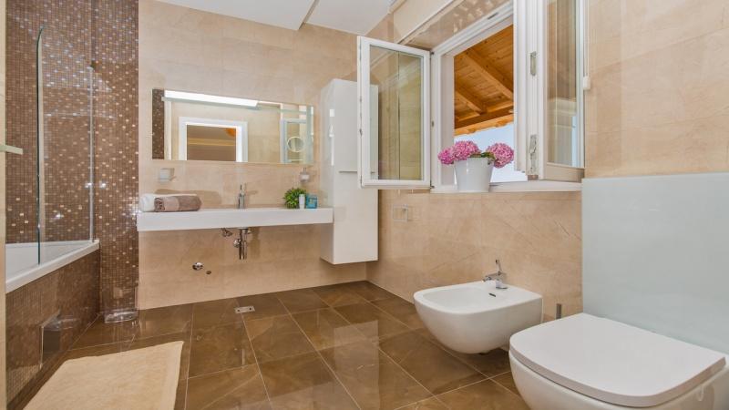 Vila, turistički smještaj Dubrovnik, Orašac, vila sa bazenom, vila s bazenom, 10 osoba, 5 spavaćih soba, luksuzna vila