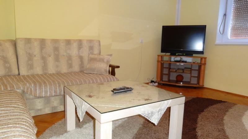 stan na dan, smještaj Trebinje centar, Bregovi, privatni smještaj Trebinje, jednosoban apartman, 5 osoba