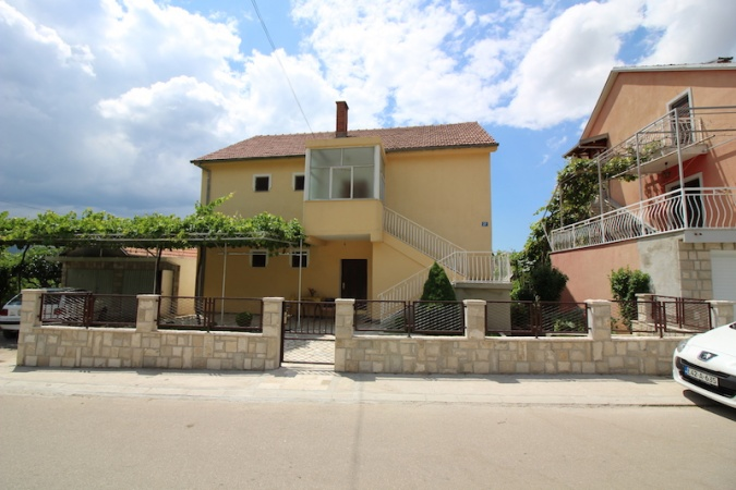 prodaja, kuća, 2 stana, Trebinje, Vinogradi