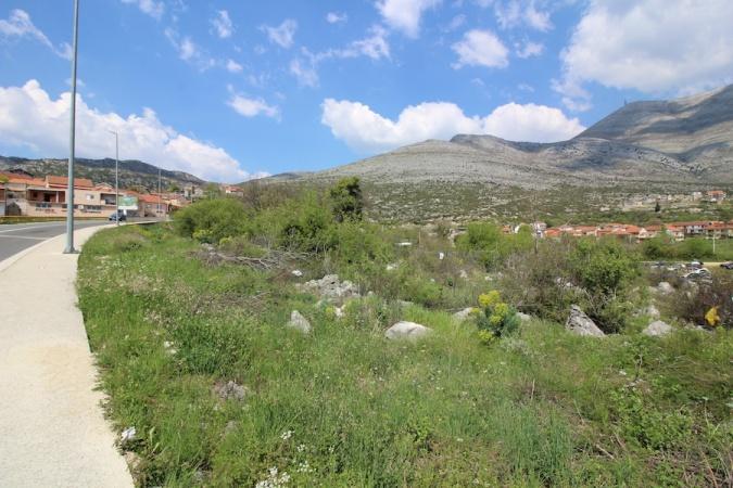 prodaje se, na prodaju, zemlja, komad zemlje, zemljište, građevinsko zemljište Trebinje