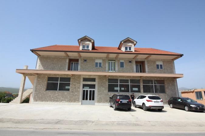 poslovni prostor na izdavanje, izdaje se, poslovni prostor, salon Bileća, poslovni prostor Bileća
