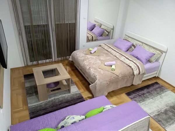 stan na dan, izdaje se studio apartman Trebinje, turistički smještaj, izdavanje, garsonjera, studio