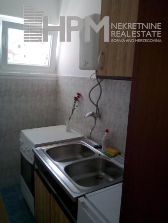 izdaje se stan, jednosoban stan, namješten stan, Trebinje