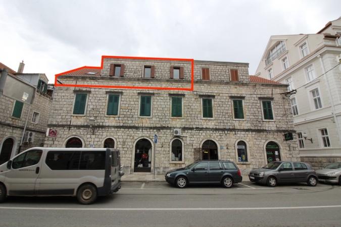 prodaja, stan, dvosoban sta, centar Trebinje, glavna ulica