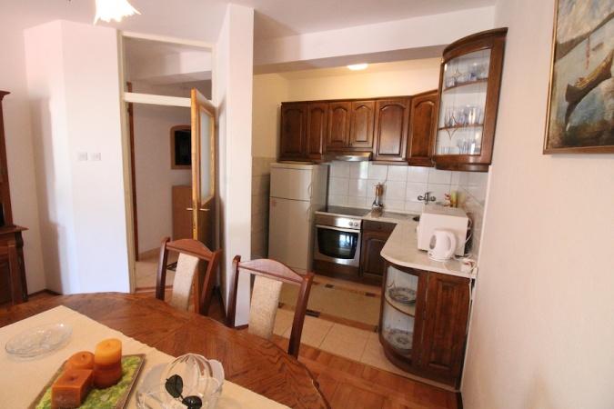 prodaja, stan, namješten dvosoban stan Trebinje