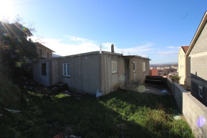 TREBINJE - POLICE: UNFINISHED FAMILY HOUSE